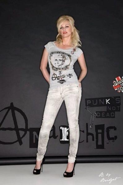 B by Bridget, camisetas para mujer, moda mujer, camisetas de B by Bridget