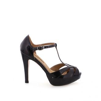sandalias y zapatos para el verano