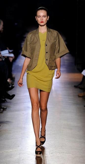 Roland Mouret, vestidos para mujer, moda para mujer colección de verano de Roland Mouret