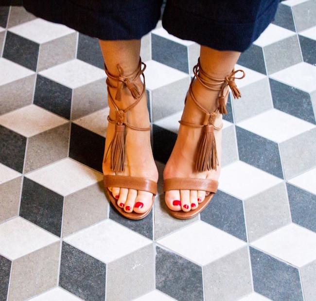 Buscando sandalias Masscob
