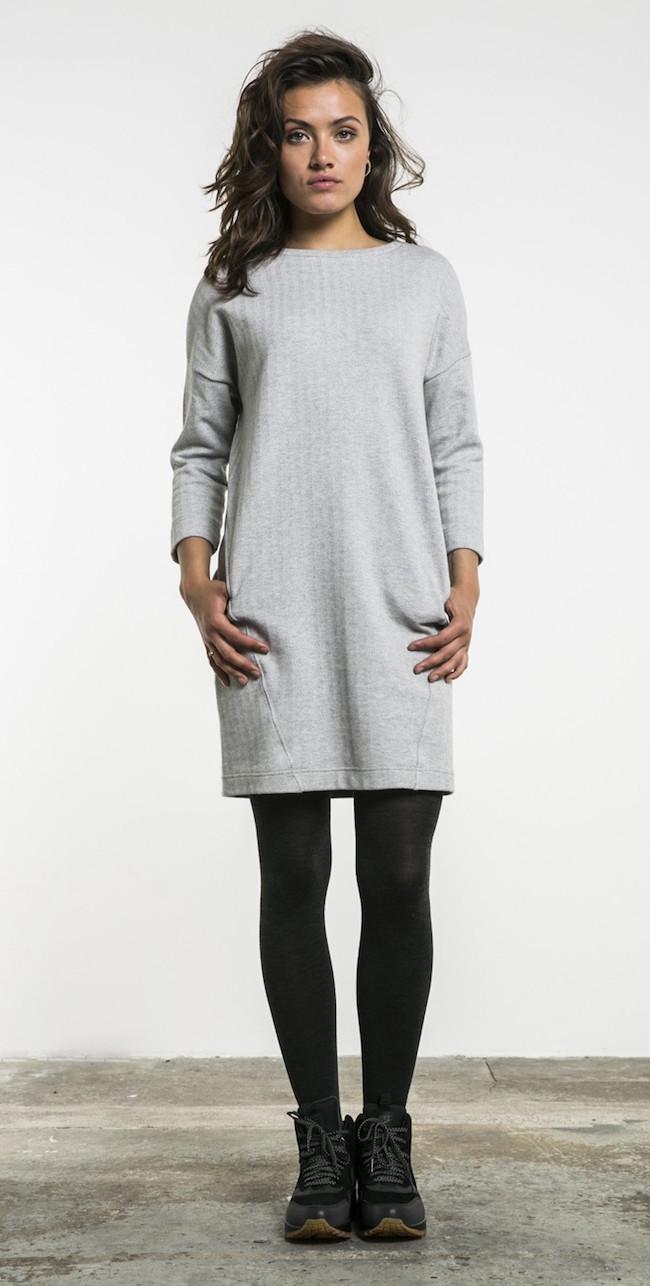 16217002-grey